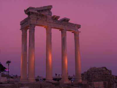 Apollo Tempel bei Nacht
