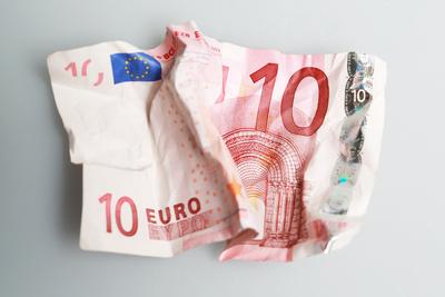 10 Euro (zerknüllt)