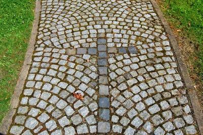 Kreuz-Weg