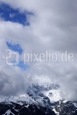 Frühlingswolken im Estergebirge 10