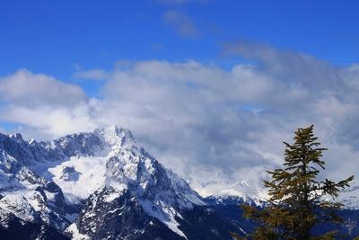 Frühlingswolken im Estergebirge 12
