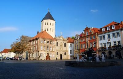 Paderborn, Domplatz mit Neptunbrunnen