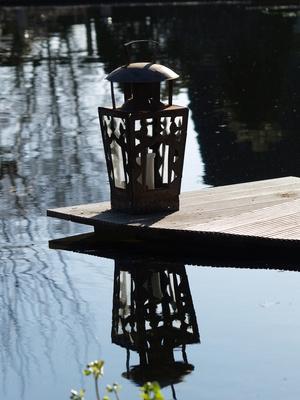 Windlicht am Teich