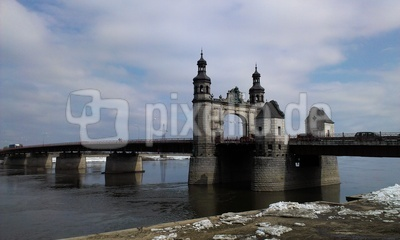Blick auf die Luisenbrücke in Tilsit (Sovetsk)
