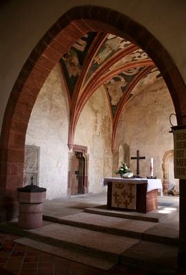 kleine sehr alte kirche