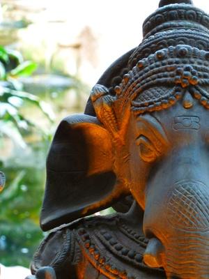 Ganesha : Gott des Anfangs und des Gelingens