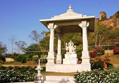 Birla Temple (Laxmi Naryan Tempel)  6