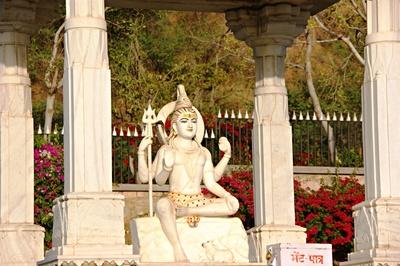 Birla Temple (Laxmi Naryan Tempel)  8