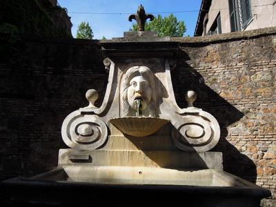 Rom - Brunnen in der Via Giulia