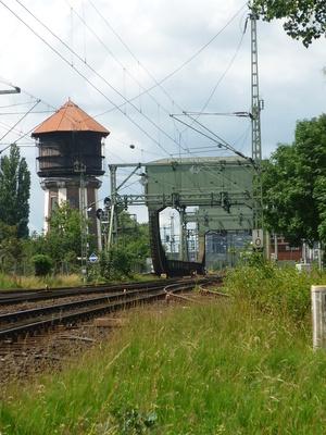 Wasserturm und Hubbrücke am Hafenin Oldb.