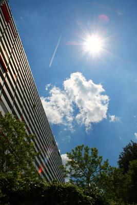 Hochhaus im Sonnenschein 02