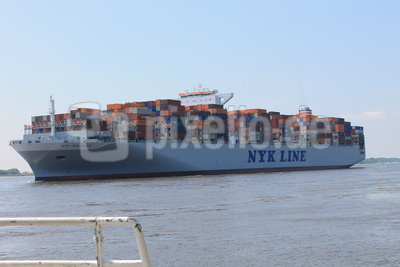 Containerriese