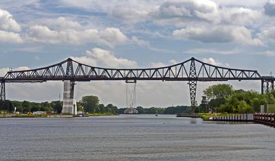 Die Rendsburger Hochbrücke . . . .