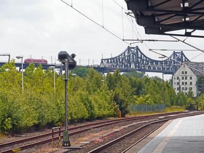Rendsburg - Blick zur Eisenbahnhochbrücke . . . .