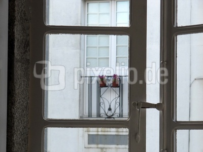 Halboffene Balkontür