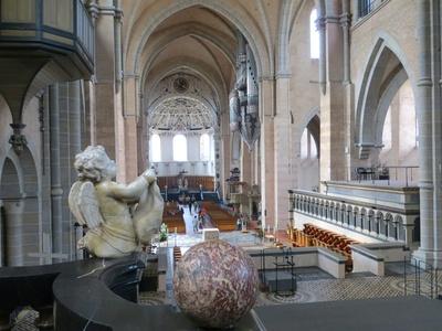 Dom von Trier