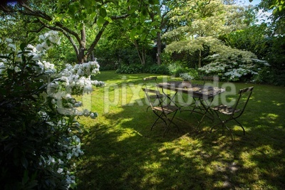 Gepflegte Garten-Romantik