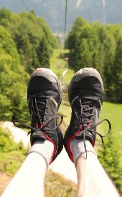 Sessellift.Perspektive 13 - Und hoch die Beine...
