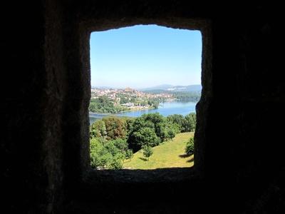 Blick auf Tui und Rio Mino aus Portugal