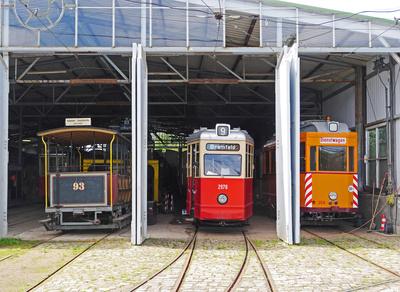 Museums-Straßenbahndepot . . . .