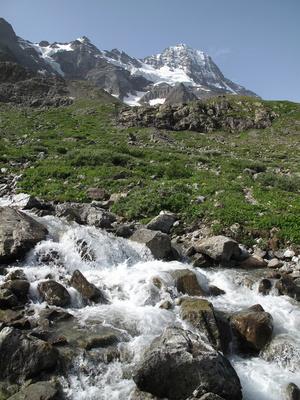 Tosendes Gletscherwasser