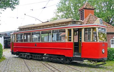 Alter Straßenbahnwagen . . . .
