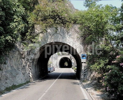 Tunnelfahrt am Gardasee 1