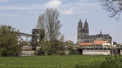 Magdeburger Dom und die alte Hubbrücke