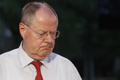 Peer Steinbrück (zerknirscht)