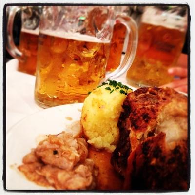 Hax'n und Bier