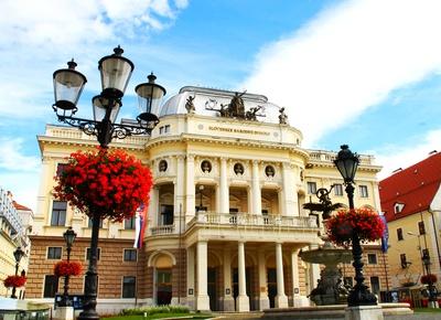 Bratislava - Das Slowakische Nationaltheater 01