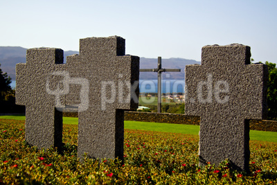 Drei Kreuze auf dem Soldatenfriedhof Maleme
