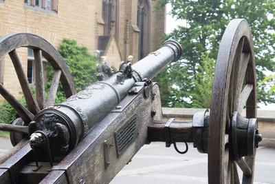 alte Kanone auf Burg Hohenzollern