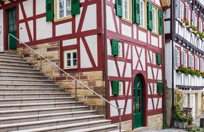 Fachwerk-Altstadt mit Treppe