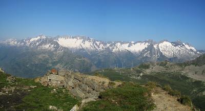 Panoramasicht auf die Urner Alpen