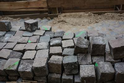 Straßenbau und Pflastersteine
