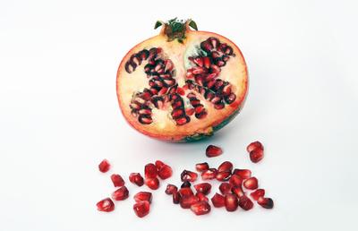 Granatapfel geöffnet