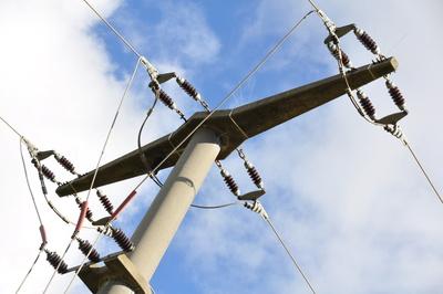 Strommast auf dem Land 3