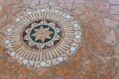 dekorativer Natursteinboden