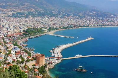 Blick auf den Hafen von Alanya