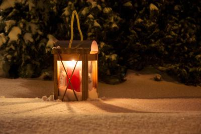 Licht in Schnee