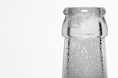 Flaschenbhals mit Schaum