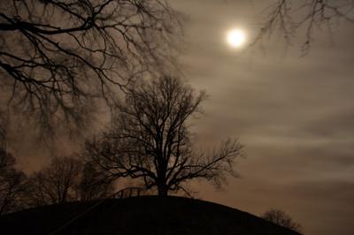 Plytenberg bei Nacht