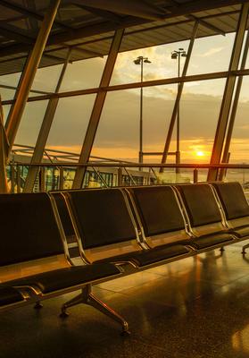 Flughafen-Stimmung mit Sonnenaufgang 3
