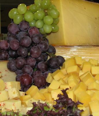 Weintrauben und Käse