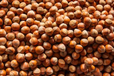 Haselnüsse mit Schale (Bazar)
