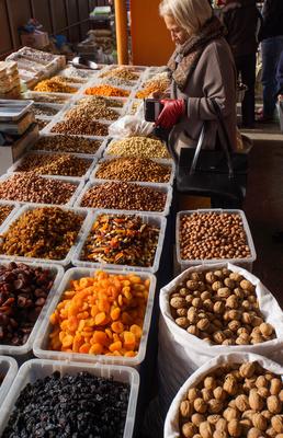Trockenfrüchte und Nüsse auf dem Bazar