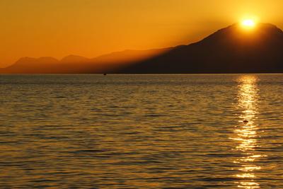 Sonne, Berge und Meer 4