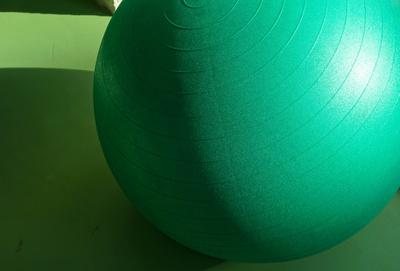 Im Fitness-Studio (Gymnastikball)