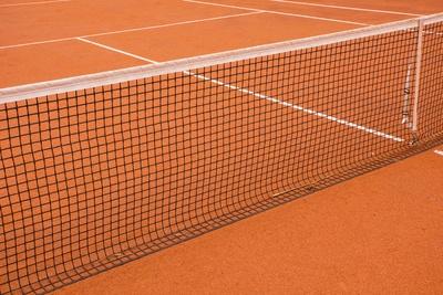 Tennisplatz (Sand) mit Markierung 4